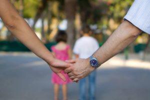 estatus jurídico de los hijos nacidos dentro y fuera del matrimonio